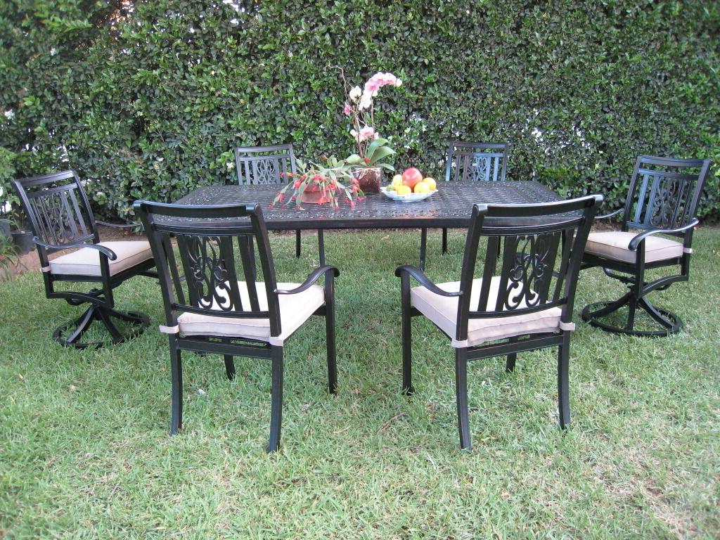 Heaven Aluminum Outdoor Patio Furniture Dining Set with 2 Sw